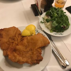 Regional Workshop in Vienna 😋 📷 #österreich #austria #vienna #wien #wienerschnitzel #figlmüller #bestschnitzelintown #foodlover #foodporn #nofilter Figlmüller (official)