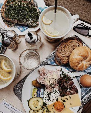 1040 Wien, Vollpension __ #citiesforpeople #TravelAwesome #viennafood #vienna_city #vsco #vienna #vollpensionwien #austria #tb #summer2018 #sundayfunday #trip #vacay...