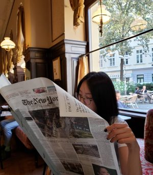 Reading about our President, who I didn't vote for🇺🇸 #famousguy  #thenewyorktimes #newspaper #classic #vienna #austria🇦🇹 #coffeefirst #cafescene #morning #설정샷 그치만 읽긴 읽었다는 #오스트리아 의 신기한 #클래식 #신문철 #뉴욕타임즈 #아침 #카페문화 #좋아요💕 #유럽여행 #비엔나