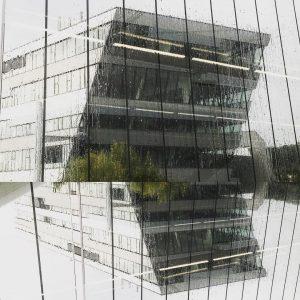 #settembre #september #therme #terme #rain #pioggia #regen #architecturephotography #architecture #oberlaa #wienerlinien #u1 #wellness #wellnesspark #geometric #instawien #viennalife...