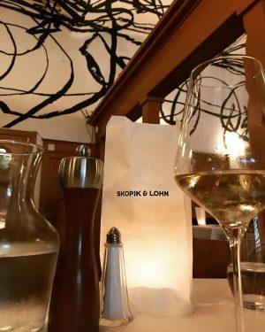 #skopikundlohn #wienerschnitzel #wienerinstitution #restaurant #best #wien #vienne #vienna #igersvienna #igers #igdaily #emolution #career #careercoach Skopik & Lohn