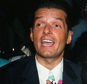 Dieser Mann!😍😍🤤 • • #falco #falcoforever #wien #österreich #vienna #austria #hanshölzel #johannhölzel #hansi #derfalke #falken #falcoarmy #succses...