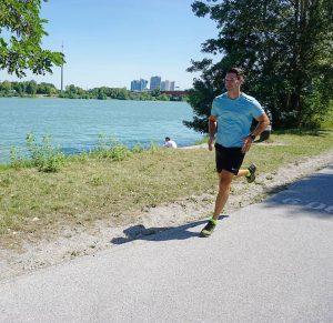 Jetzt wo der Halbmarathon immer näher kommt merke ich schon wie die Motivation täglich steigt. Ich freue...