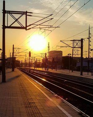 WunderbareMorgenstimmung am Bahnhof Meidling, geknipst von@svety_at ☀ Wie habt ihr euren Dienstag begonnen?😃