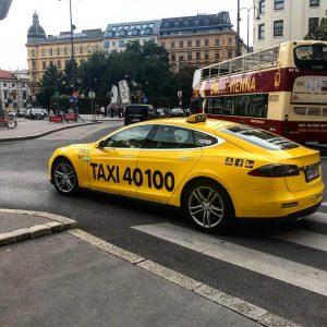 #теслатакси уже и в Австрии. В городе можно полностью забыть о бензине и дизеле. Если Вы задумываетесь...