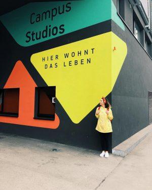 Мир большой, я маленькая #autumntrip #вена #travel #travelblogger SFU - Sigmund Freud PrivatUniversität Wien