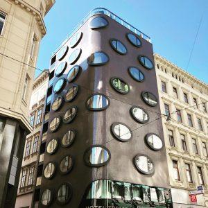 Tokyo envy. Hotel Topazz Vienna