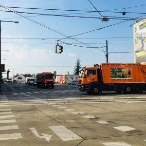 Wien zählt zu den saubersten Städten der Welt. 💓 Die Fahrzeuge der MA48 legen 9 Mio. Kilometer...