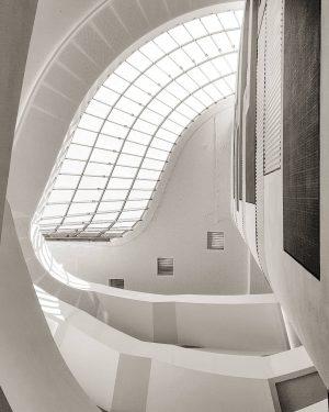 Atrium @oeamtc Zentrale #igersvienna #igersaustria #ilovevienna #wien #öamtc #oeamtc #öamtczentrale #architecture #lights #interior #interiordesign #design #architectureporn #architectureinvienna...