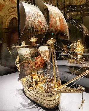The Kunstkammer Wien is filled with the most amazing pieces like this 16th century boat automaton. I could spend forever in here! #arthistory #artnerd #art #technology #automaton #vienna #austria #kunstkammer #germanic #kunsthistorischesmuseum #goldwork