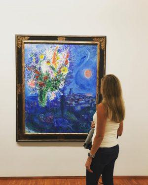 "Art of the day : ""Sleeping Women with Flowers,1972"" by the Russian French artist Marc Chagall at the Albertina Museum Vienna. @albertinamuseum  اخترت لكم اليوم عمل فني للرسام الروسي الفرنسي مارك شاغال بعنوان"