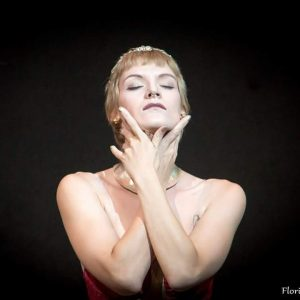 dance snapshot by @florian.hoelbling 💚 #carvie18 #dancelovesleeprepeat WERK X