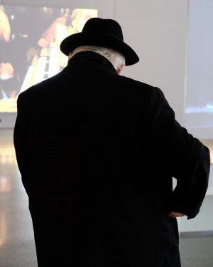 Hermann Nitsch zu Besuch im @mumok_vienna, nächste Woche orgelt er hier, wow oder? 👀🍷🍷🍷🍷🍷🍷🍷🍷🍷🍷🍷🍷🍷🍷🍷🍷🍷🍷🍷🍷🍷🍷🍷🍷🍷🍷🍷🍷🍷🍷🍷🍷🍷🍷🍷🍷🍷🍷🍷🍷🍷🍷🍷🍷🍷🍷🍷🍷🍷🍷🍷🍷🍷🍷🍷🍷🍷🍷🍷🍷🍷#mumok #museum #doppelleben #vienna #wien #austria #concert #hermannnitsch #nitsch #artist #exhibition #wieneraktionismus