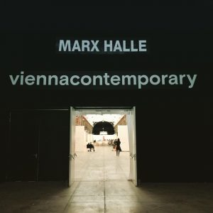 Up-Up-Up! The BUILD-UP! @viennacontemporary #viennacontemporary #buildup #artfair #marxhalle #vienna MARX HALLE