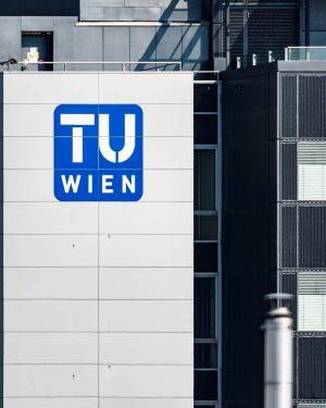 TU Wien #urbanphotography #streetphotography #wien #tuwien #urbanwalls #buildings #city #architecture #architecturephotography #photography #street #urban #photooftheday #ig #photo...
