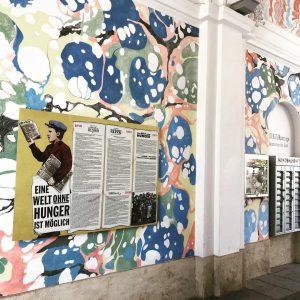 """Neu in der #Literaturpassage im Wiener #MuseumsQuartier: Die Wandzeitung zum Thema """"Eine Welt ohne Hunger ist möglich""""..."""