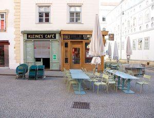 Wenn nach dem ersten Termin das Kleine Café noch geschlossen ist.. 🙄🙈 . ...
