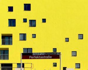 #yellow #vienna #perfektastrasse #perfektastraße #europan #housing #modernarchitecture #scattered #facade #windows #yellowwall #randomwindows #random #architizerawards #architizer #urbanism #masterplan...