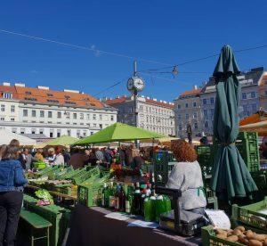 VIENNA/ KARMELITERMARKT . . . . . . . . . . #karmelitermarkt #wienermärkte #bauernmarkt #fresh #vegetables...