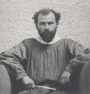 Good morning everyone! ☀️ We want to share a #photograph of #GustavKlimt with you 👨🏻🎨 This #portrait...