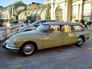 #retro #car #vienna #wien #enjoyaustria #hofburg Schmetterlinghaus Hofburg