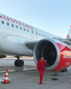 Let's fly together around the world ✈️🌍♥️ #austrianairlines #weflyforyoursmile #myjob #flightattendant #stewardess #lovemyjob #a320 #airbus #airplane #allred...