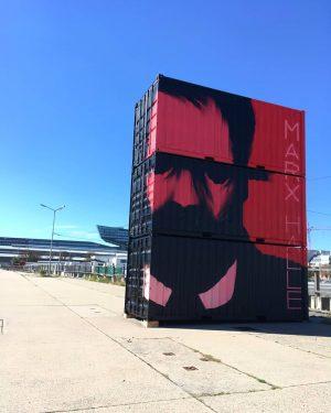 Heute startet die @viennacontemporary! Passend dazu gibt es rund um die MARX HALLE neue Kunst im öffentlichen...