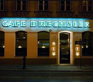 """Es passiert! Das Ramasuri bespielt das altwürdige und ehemalige Café Drechsler und sperrt demnächst als """"Drechsler"""" auf!..."""