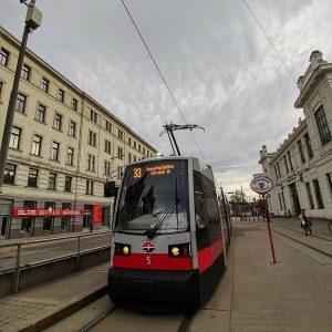 #oeffentlicherverkehr #publictransport #strassenbahn #tramway Josefstädter Straße