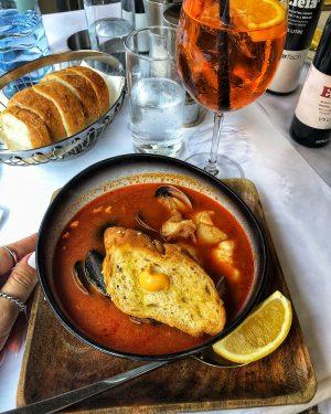 Family lunch 👨👩👧👧👫🍴🐟🦑🦐 • • • #umar #fish #calamari #Wien #Vienna #mutimiteszel #lunch ...