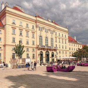 Vienne est un subtil mélange entre ancien et moderne! Ici au sein du quartier des musées, un...