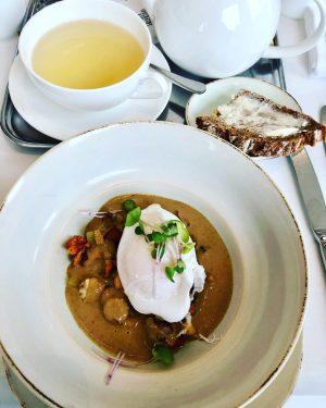 Pochiertes Entenei auf Schwammersauce 😍😍 #meiereiimstadtpark #meierei #frühstück #breakfast #brunch #poachedeggs #goodfood #duckegg #tasty #wien #vienna #viennafoodguide...