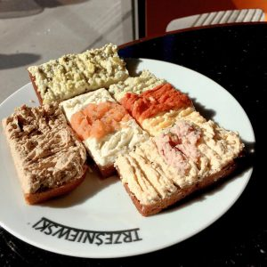 Wünsche einen wunderschönen Samstag #trzesniewski #jause #snack #samstag Kutschkermarkt
