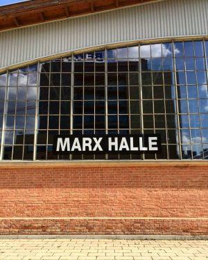 Mit der Funktionsänderung der ehemaligen Rinderhalle wurde auch eine Namensänderung notwendig 🐮 Die Geschichte bleibt durch kleine...