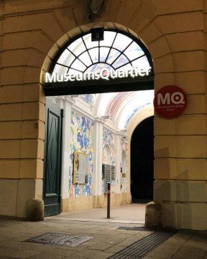 MQ ——————————————— #mq #museumsquartier #mariahilf #mariahilferstraße #wien #vienna #nighttime #kunst #art #kultur #culture #städtereise #citytrip #österreich #austria