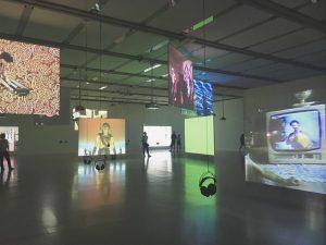 colorblind 🖤 . . . . #mumok #art #artmuseum #artgallery #modern #music #green #white #colours #aesthetic #vienna #wien #qualitytime #memories