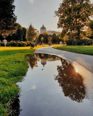 Vienna Burggarten/ Hofburg ⭐️ Lovely sunny afternoon in Vienna 🤗 Enjoy your Weekend 🤗 . . ....