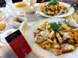 Kaiserschmarrn, the Emperor's pancake, at Café Landtmann with my sister, @sabrinamusfirah, when she was an Erasmus student at the University of Vienna. Very tempted, looking at @rowenarazak's photos 😅 However, I shall not complain because I'm having waffles tomorrow (hint to my next destination) 😀  #throwback #kaiserschmarrn #Vienna #cafelandtmann #breakfast #Austria #cafés #Europe #Europeanholiday #travels #travelling #holidays #vacations #vacay #foodporn #Viennesecuisine #gastronomy #pancakes #frühstuck #завтрак #ялюблюпутешествовать #Европа #lovetravel #travelgram #instatravel