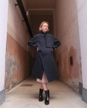 Find your edge with our trenchcoat with belt detail ✖  #webandits #koreanfashion #lacquerboots #wonhundred #trenchcoat #vienna #scandinaviandesign