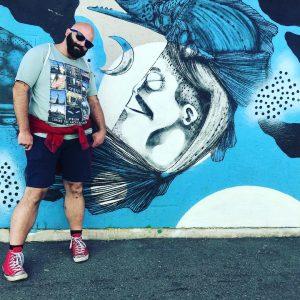 bei streetart auf die Fesche, schaut da Poidl auf die Wäsche...#streetart #yppenmarkt #viennastyle ...