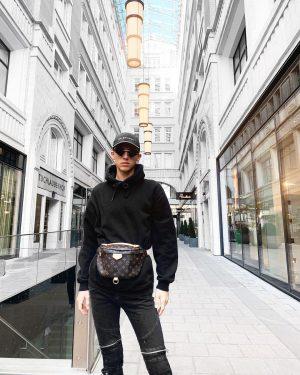Hello Vienna 🇦🇹 what a beautiful day, happy birthday @annapaschinger xx