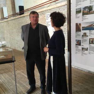 Joesi Prokopetz in der Ausstellung