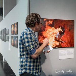 Kurator Fabian Knierim führte uns letzten Donnerstag durch die Ausstellung Worldpressphoto 2018 - verlängert bis 28.10.2018 #westlicht...