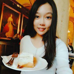 終於圓了在維也納中央咖啡館吃早餐的心願了! 覺得超好吃,但是也吃得好飽、好飽😝 大推皇帝煎餅跟他們的經典早餐!  #cafe_central #維也納中央咖啡館 #皇帝煎餅 #吃得好飽 #vienna #breakfast