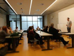 Zu Besuch am Institut für Publizistik...Kollege vom Marketing erzählt zum Thema #Kulturmarketing @univienna #wienerfestwochen #goto #university #publizistik...