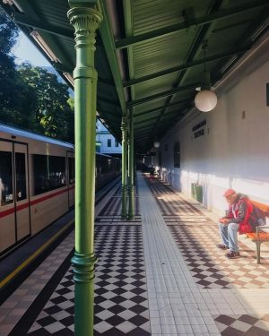 Uma das nossas estações de metrô favoritas em Viena 🚇 U4 Stadtpark