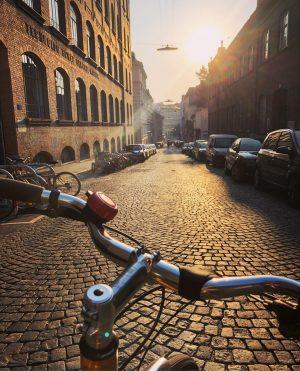 Guten Morgen! 😊🚲 #fahrradwien #biketowork #igersvienna Vienna