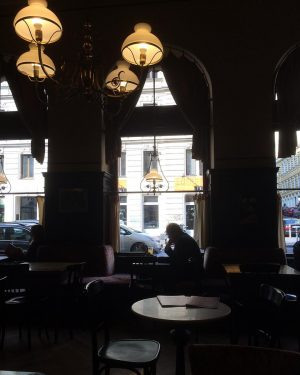Doctor in a old café #cafesperl #vienna #wien