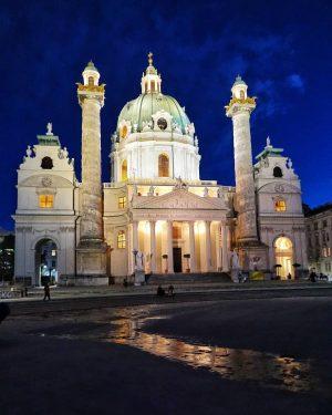 Nice tuesday evening ☺️ #karlskirche . . #wien #vienna #vienna_city #viennanow #viennagram #vienna_austria #igersvienna #igersaustria #vienna_online #getvienna...