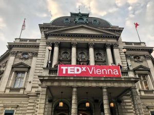 Same procedure as every year: Obligatorisches Volkstheater-Pic @tedxvienna ♥️ #welovetedxvienna #tedxvienna #karriereatontour #inspiration #tedtalks #karriereregel #willstdukannstdu #wien...
